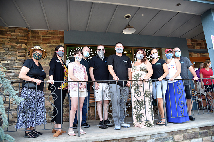 Lazer Scapes has Ribbon Cutting Ceremony